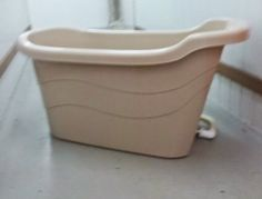 Julie's Bathtub - Enjoy Your Bath With Portable Bathtub: Portable bath tub with drainage pipe . $300 w/o drain $250