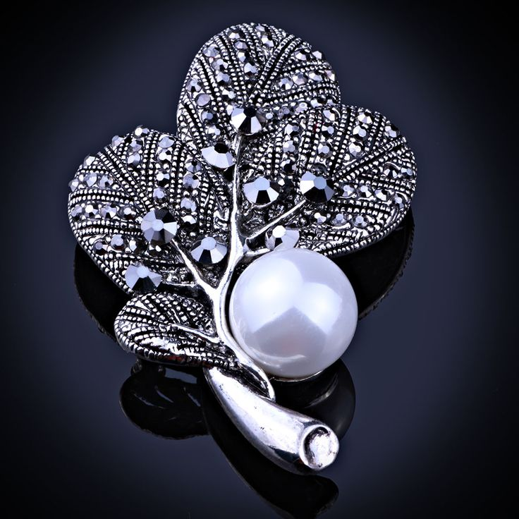 FAELENA Jewelry Vintage Style Imitation Pearl Leaf Brooch Elegant Black Rhinestones Brooches and Pins for Women