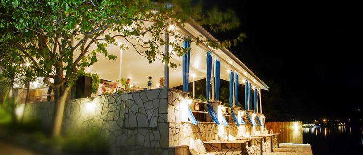 Lefkada Accommodation, Lefkada Restaurants - Seaside Restaurant and Apartments - Geni Lefkada