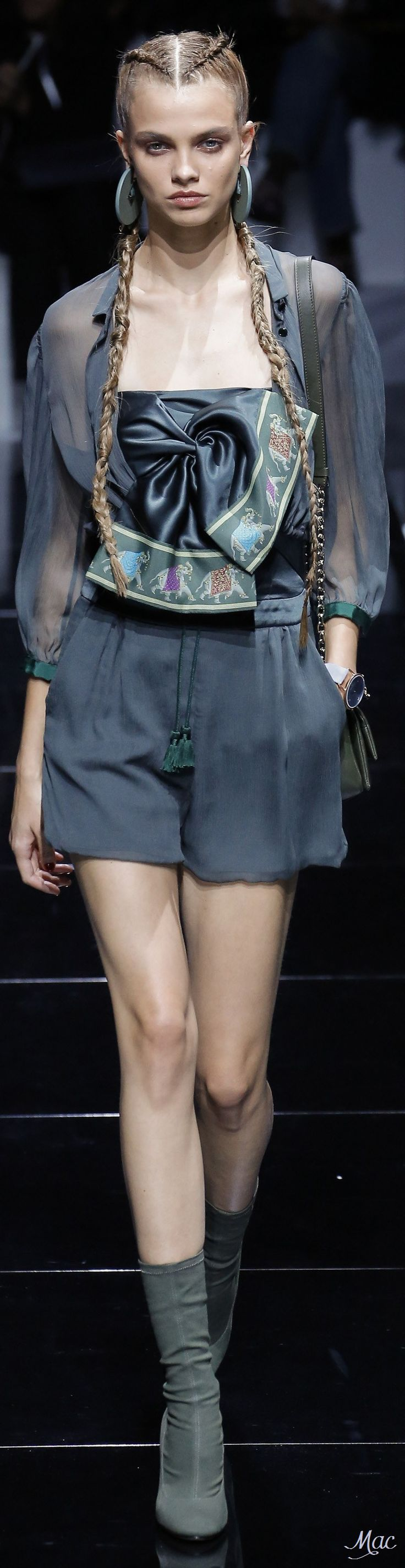 Spring 2017 Ready-to-Wear Emporio Armani