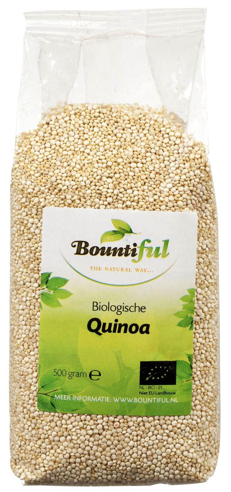 Quinoa Bio. Lekker ipv rijst of in een salade, in pannenkoekjes, de mogelijkheden zijn eindeloos. Quinoa moet altijd eerst afgespoeld worden met water. Daarna kan je het koken. Pak voor 1 deel quinoa 2 delen water en laat het ongeveer vijf tot tien minuten koken. Daarna laat je het tien minuten staan met de deksel op de pan voordat je het verder verwerkt. Er zijn verschillende soorten quinoa te krijgen: rood, zwart, groen en blank. Het smaakt allemaal hetzelfde.