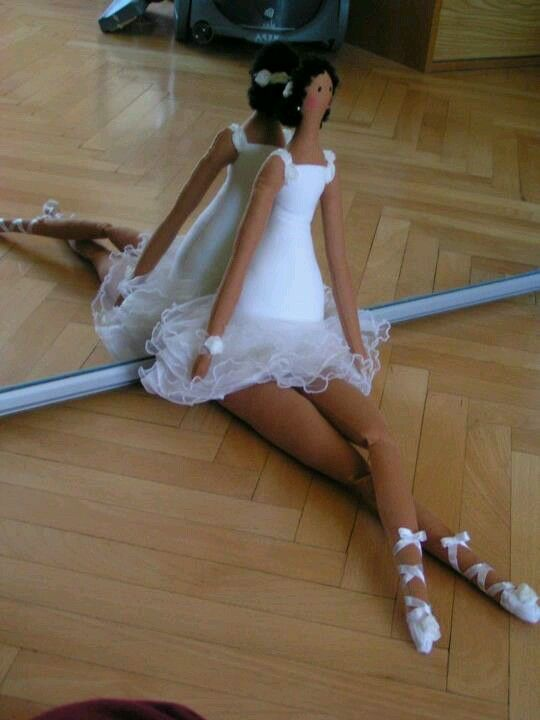 large tilda ballerina