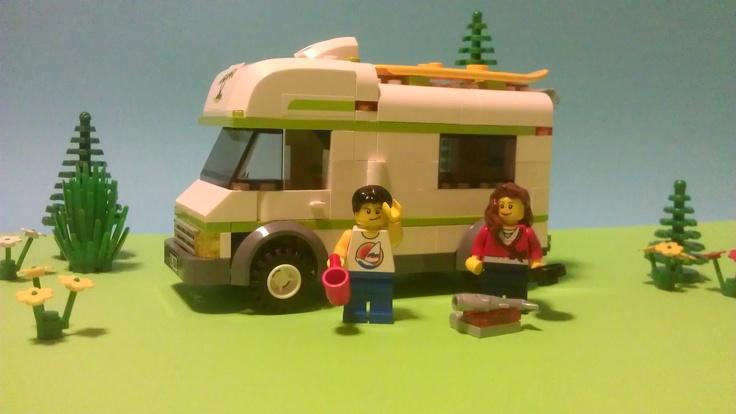 Lego 7639-1 Camper (2009)