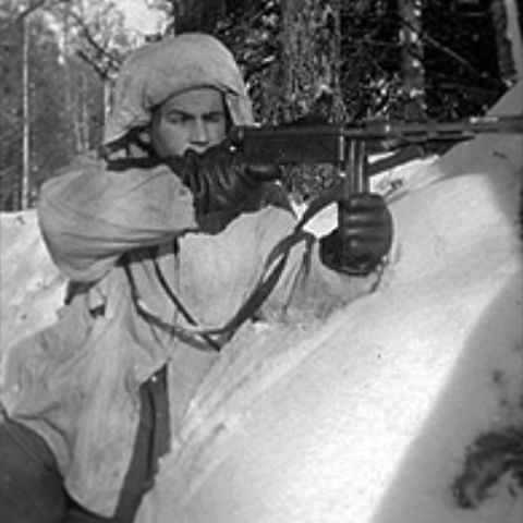 A Swedish volunteer posing for a photo at Syväri or Svir front 1943. He is armed with the legendary Suomi mp 31 sub machine gun, this example is loaded with a coffin mag. Pin by Paolo Marzioli