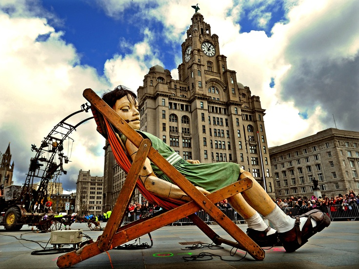 Little girl giant at the Liver Building