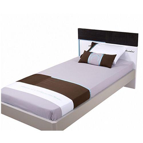 Meltem Cool 20600 Genç Odası Yatak Örtüsü 160X240 (Yastık+Çarşaf+Yastık Kılıfı) http://www.ilkebebe.com/Bebek-Nevresim-Takimlari/Meltem-Cool-20600-Genc-Odasi-Yatak-Ortusu-160X240-(YastikCarsafYastik-Kilifi).aspx