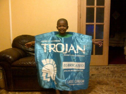 25+Totally+Inappropriate+Halloween+Costumes+for+Kids