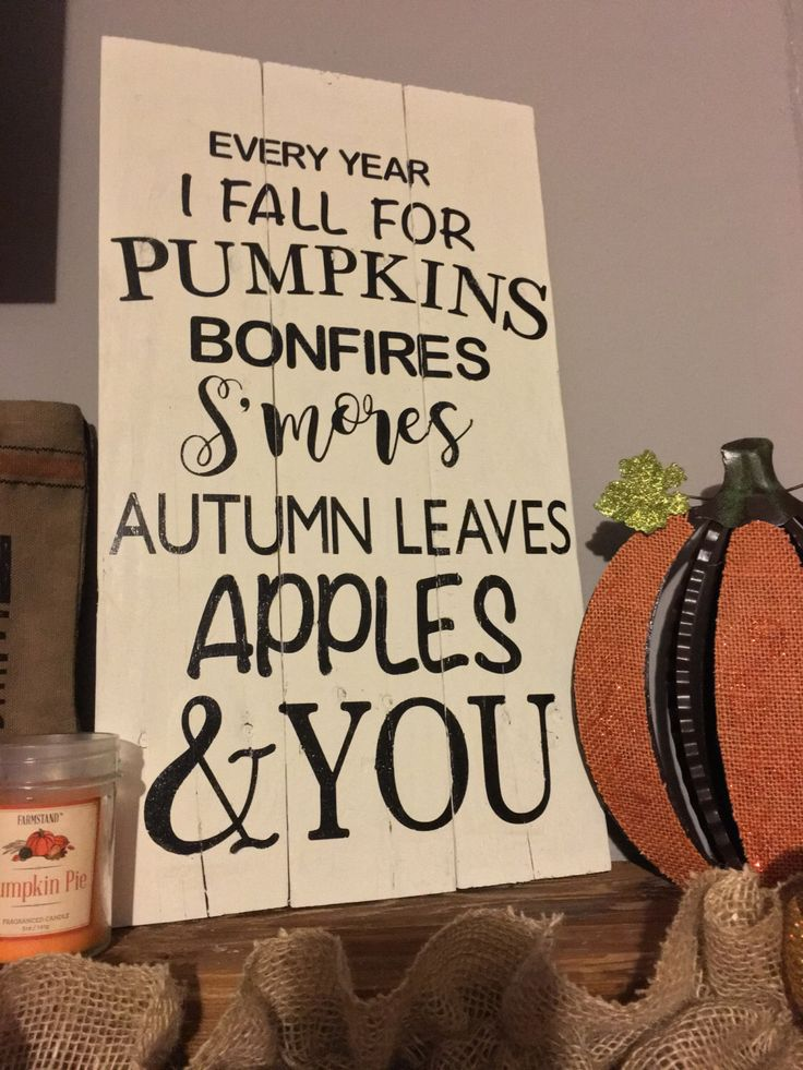 Fall pallet sign by RaesOfSunshineSigns on Etsy https://www.etsy.com/listing/474061696/fall-pallet-sign