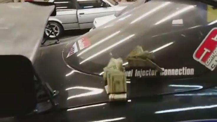 Zo doe je het onderhoud aan je auto hilarisch goed - http://www.topgear.nl/autonieuws/onderhoud-aan-je-auto-zelf-doen/