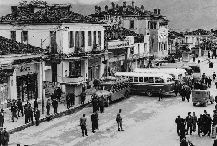 Αγγελος Καλογερίδης Κεντρική πλατεία στα Γιάννενα περ.1950.