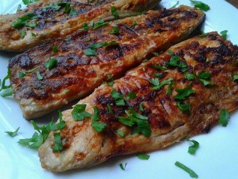 Вкуснейшая скумбрия по Гордону Рамзи.. Рецептов из скумбрии очень много, вот и я решила поделиться одним из них. Очень любим скумбрию, эту недорогую и полезную рыбу. Приготовив её по рецепту знаменитого повара, вы ещё больше в неё влюбитес…