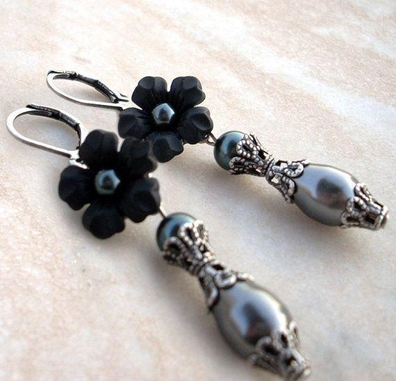 Black Pearl Earrings with Lucite Flower Dangle Earrings by Aranwen, €30.00
