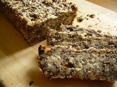 Dieses Flohsamen-Brot sollte jeder essen, der sich wirklich gesund ernähren möchte. Glutenhaltiges Weizenbrot macht müde, krank und dumm.