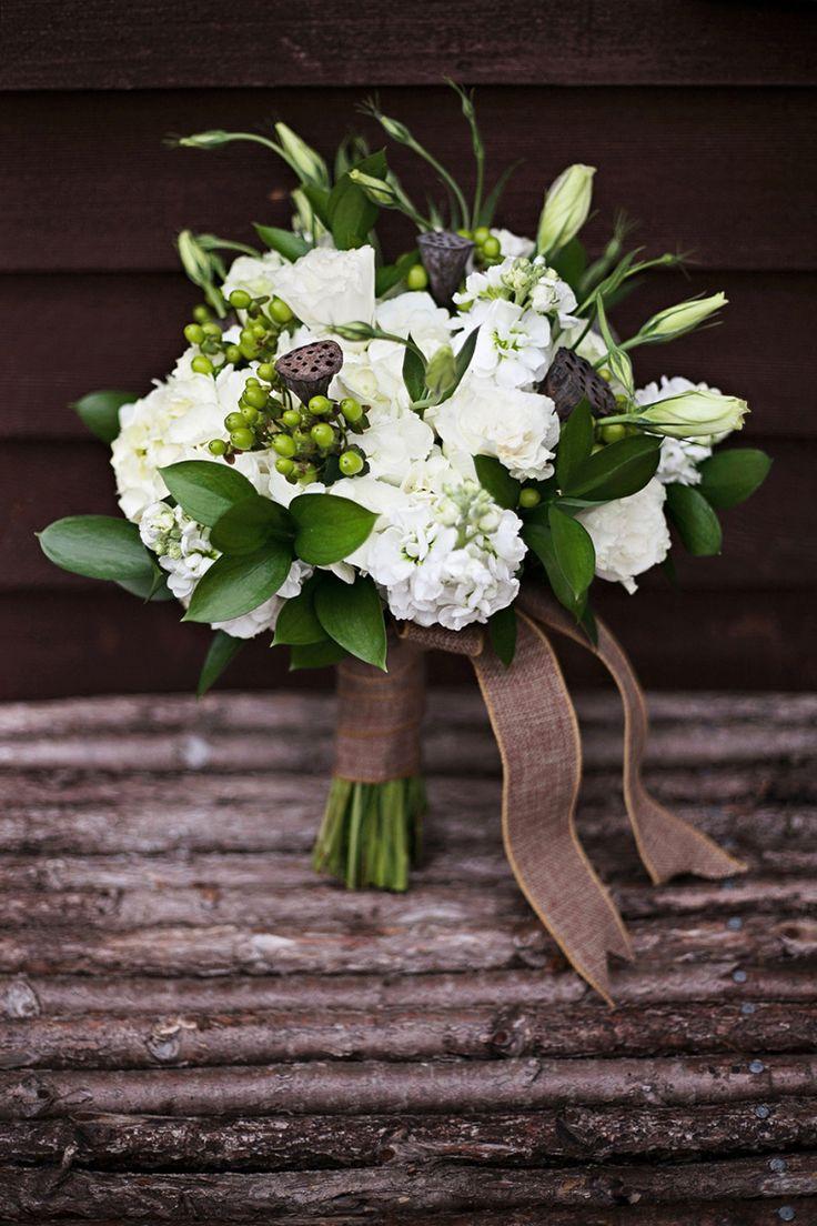 Uma idéia de bouquet rústico branco+verde+marrom #inspiração #bouquet l Photography Corina Silva