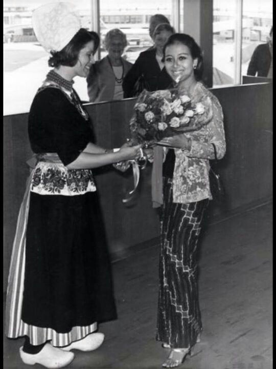 Maria Louis Retme S Miss Tourism Indonesia 1970 arrived at schipol Belanda