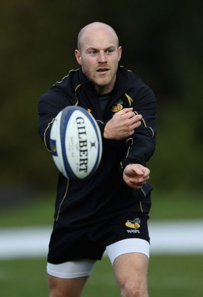 Joe Simpson Photos Photos - Joe Simpson passes the ball during the Wasps training session held at Broadstreet RFC on October 18, 2016 in Coventry, England. - Wasps Media Session