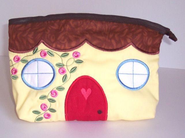 Make-up Bag - Little Cottage £8.50
