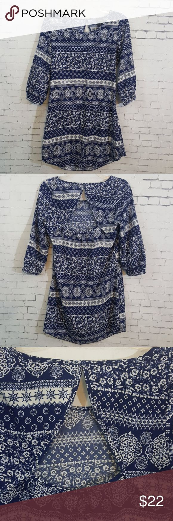 Rue 21 3/4 Sleeved Blue and White Dress Rue 21 Dress Size:  Small   - 100% Polyester - Blue and White  Excellent condition! Rue 21 Dresses Midi