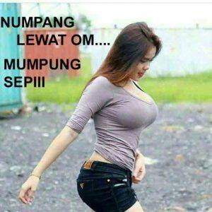 Meme Numpang Lewat Foto Cewek Cantik