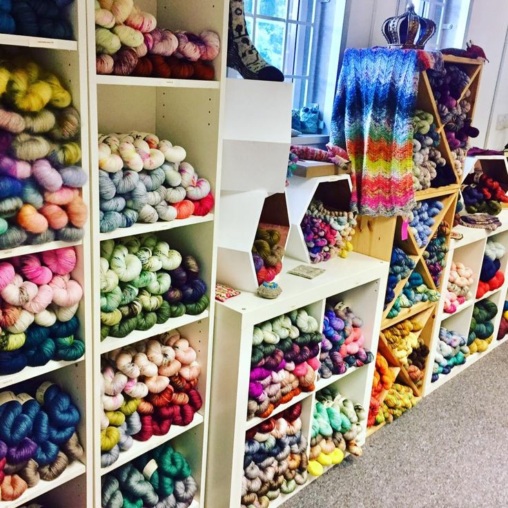 ove knitting? A fabulous yarn shop has now opened near Juberry! Check out Skein Queen. Newbury really is the home of crafts. ✂