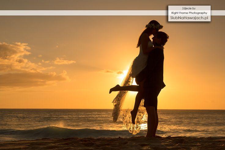 Hawaje, Slub na Hawajach, za granica, Slub w Tropikach, ślub na plaży, slub na plazy, ślub w plenerze, Egozytyczny, pomysl, sesja fotograficzna, śluby, wesele, Hawajski, bukiet slubny, kwiatki, lei, girlandy, naszyjnik, wieniec, Zachód Słońca