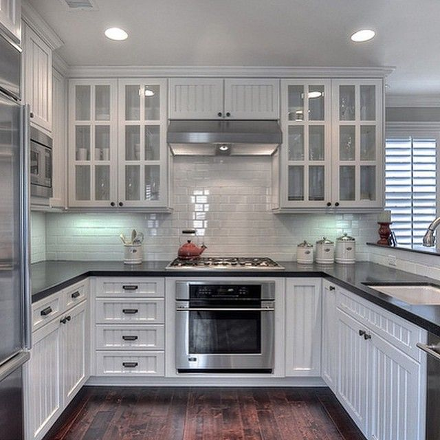 Such A Beautiful Kitchen With White Brick Pattern Tiles For The Splashbacks  #kitchens #kitchensplashbacks