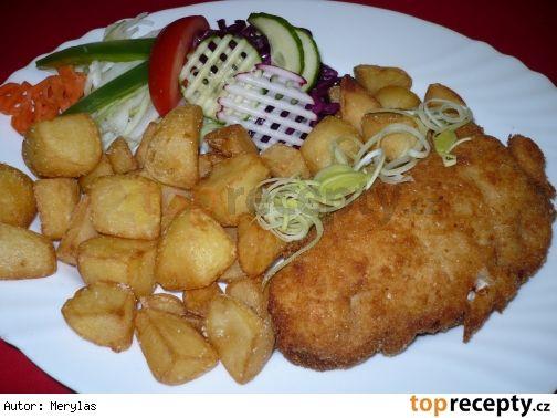 Smažená kuřecí kapsa se šunkou a sýrem