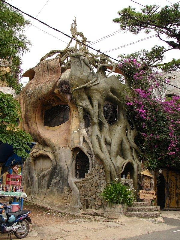 Superior Vietnam Treehouse Part - 10: The H?ng Nga Guesthouse Or U0027Crazy Houseu0027 At Dalat In Southern Vietnam,  Often Compared To The Work Of Gaudi In Barcelona.