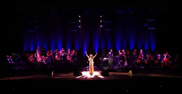 Dünyaca ünlü soprano Sarah Brightman Antalya'yı büyüledi