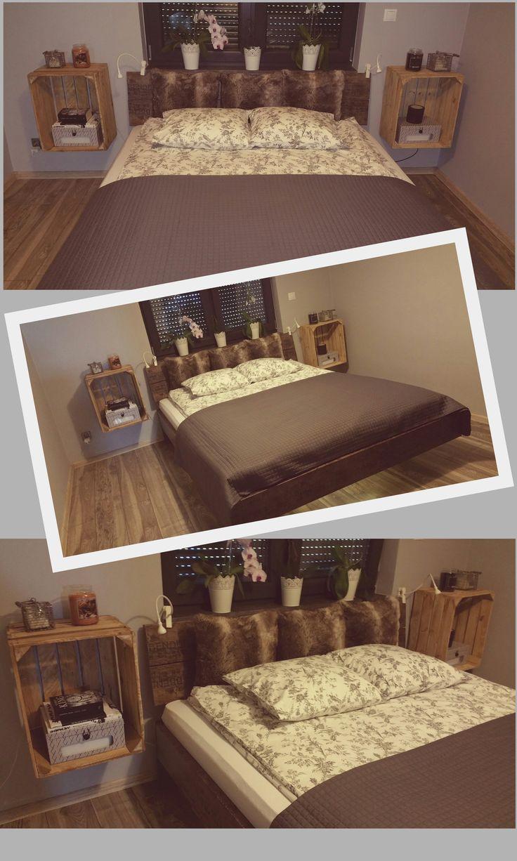 Zawieszone na ścianie dwie skrzynki które pełnią nową rolę szafek nocnych i kilka starych desek. Tak nie wiele trzeba by nadać sypialni stylu vintage.