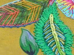 Resultado de imagem para bolsa de pano chita bordada com pedraria