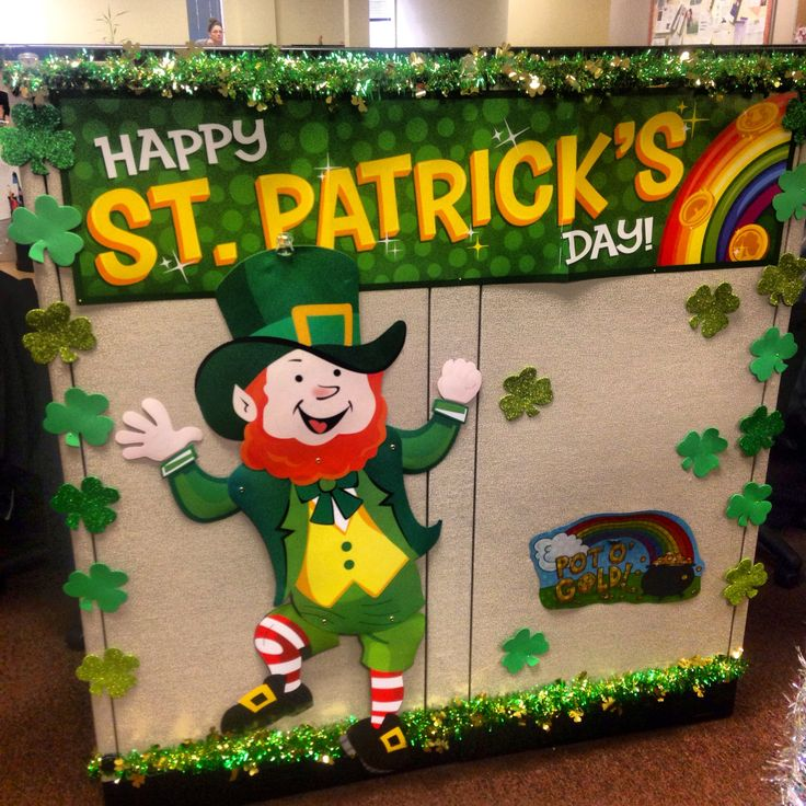 Holiday cubicle decor st patricks day holiday spirit Cubicle bulletin board ideas