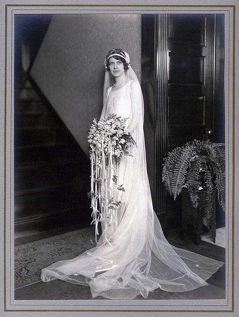 1920s veil & bouquet