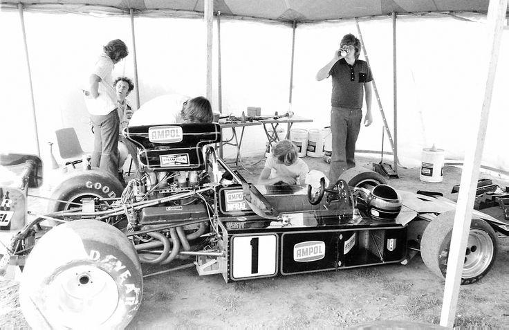 Graham McRae - McRae GM2 [001] Chevrolet V8 - Ampol Petroleum - Sandown Park - Peter Stuyvesant $100,000 - 1974 Tasman Cup, round 7 - © Robert Davies