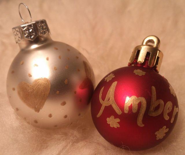 Kerstballen met Edding marker versieren