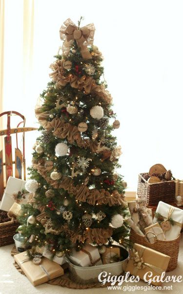 Best 25+ Christmas tree garland ideas on Pinterest | Christmas ...