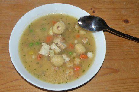 Hendl-Einmachsuppe mit Bröselknödeln - Rezept