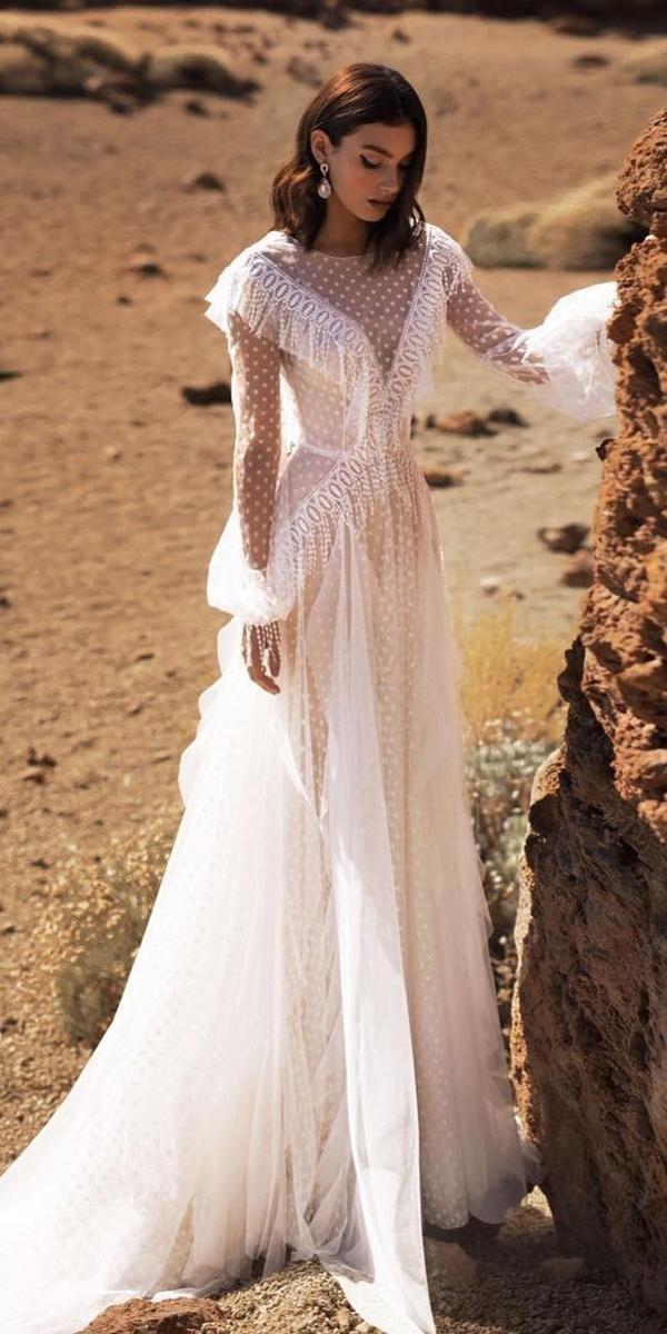 15 Bohemian Wedding Dresses For Charming Brides Bohemian Wedding Dresses Chic Wedding Dresses Bohemian Dress