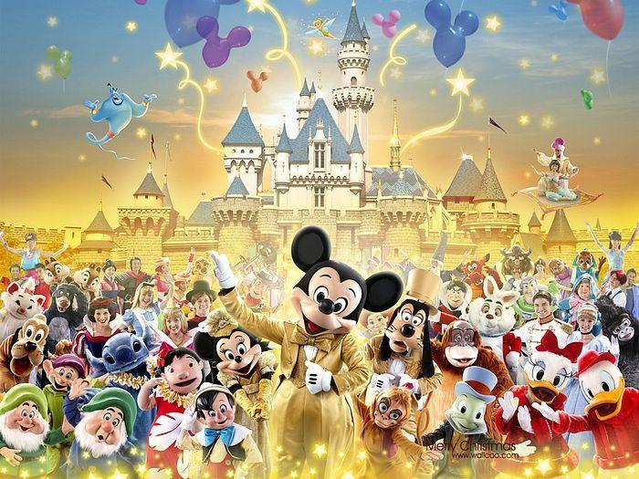 Hong Kong Disneyland Christmas Fantasy - Big Group Photos of Disney Animated Characters  Picutre 17
