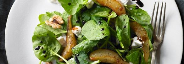 Caramelised pear, goats' cheese and walnut salad