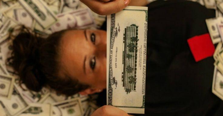 Student debt striker Jessica King Student 'Aid' Industry Parade Crashed by Debtors Demanding Free Higher Ed