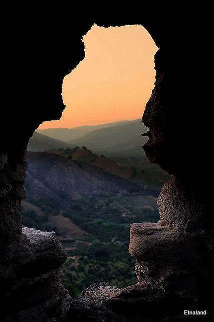 Uno scorcio di paradiso | photo taken from the castle in Calatabiano, Catania Sicily. 37°49′22″N 15°13′40″E
