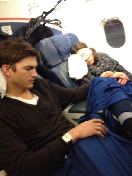 mila kunis and ashton kutcher at stagecoach 2014 | Mila Kunis este însărcinată! | Blog Vedete