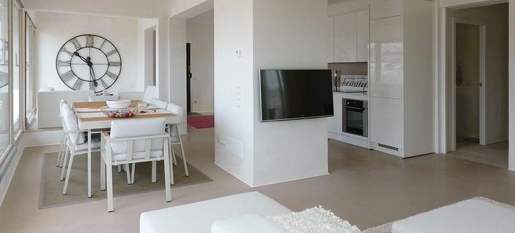 Sie haben heute die wirklich einmalige Chance diese Traum-Penthouse Wohnung Santa Ponsa - mit zwei gigantischen Terrassen - zu mieten oder käuflich zu erwerben.  Bei dieser Mallorca Immobilie passt einfach alles! Man kann sich in den 165 m² Wohnfläche wirklich frei bewegen und es sich enorm gut gehen lassen.