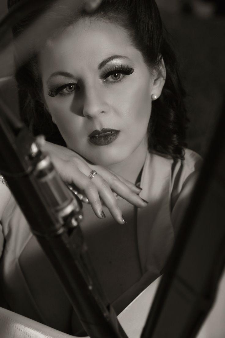 Miss Violet Vixen (find her on Facebook) Photographed by T.Meesen