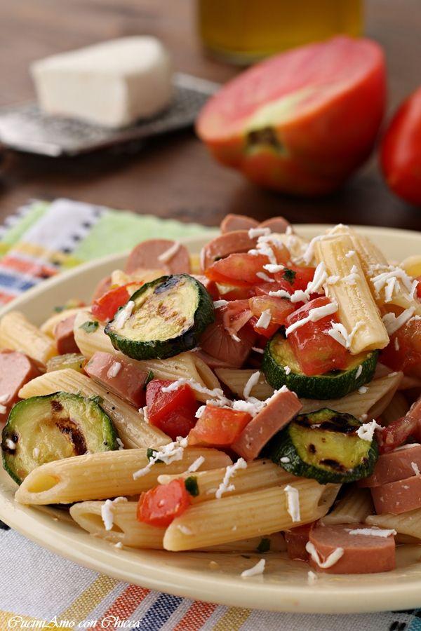 Pasta fredda zucchine e wurstel