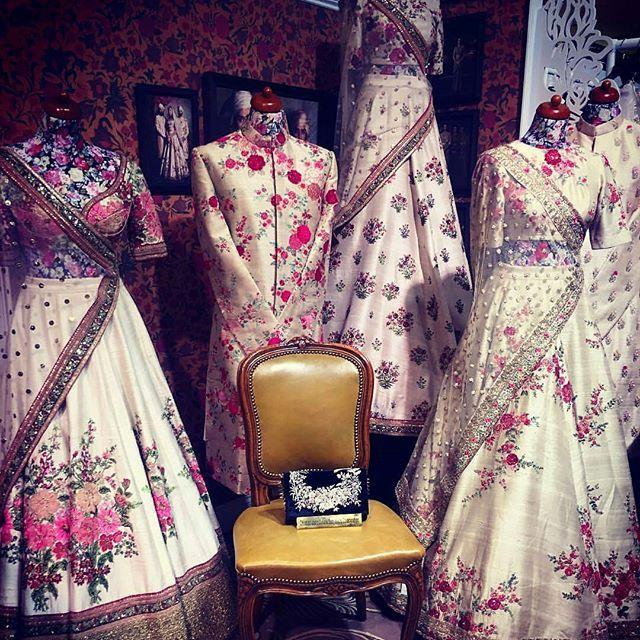 The Magician! Sabyasachi #sabyasachiclassics #sabyasachibride #ashniandco #london #royalwedding @sabyasachiofficial #bride #weddingseason #Photography #bridalseason #bridalfashion #instabridal #shaadiseason #bridestory #bridaltrends #bridalinspo #fashionmagazine #allboutfashion #lifestyle #couture #designerbridals #desifashion #lajjabridalmagazine #page3magazine