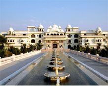 #WeddinginJaipur Jaipur is likely known as pink city. Many royal people, kings, celebrities are like to married here for make their wedding memorable. Shiv Vilas Palace, City Palace, Jaimahal Palace, Samode Haveli are the places which can make your wedding memorable and unforgettable.