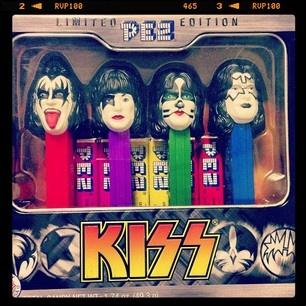 Kiss PEz Dispenser