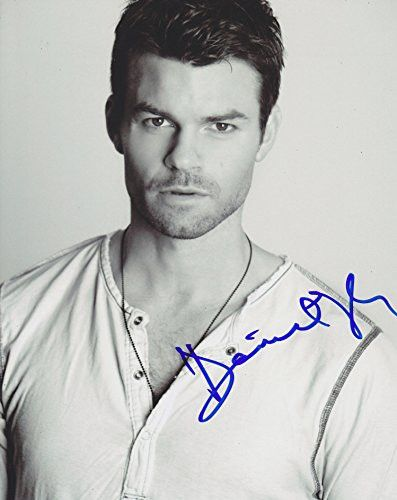 Daniel Gillies Autographed Signed 8X10 Photo COA 'The Vampire Diaries'